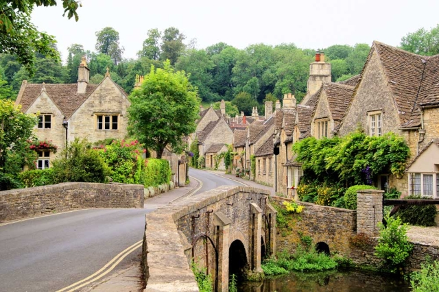 Bridge-Castle-Combe-Cotswolds